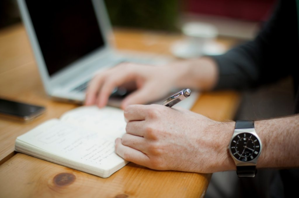 How to Remain Competitive as a Freelance Writer